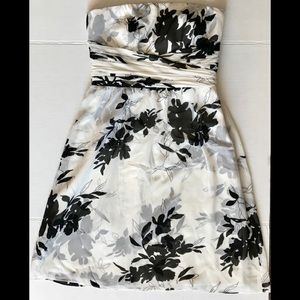 Like New Ann Taylor Petites Strapless Dress